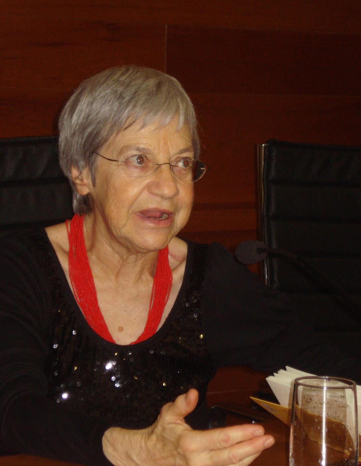 Julia Gil