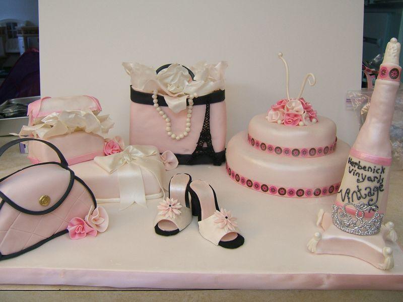 Every Little Thing: Meet the cake boss, BUZZ