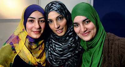 Hijab Style: Famous Faces: The Ladies of Halal-TV