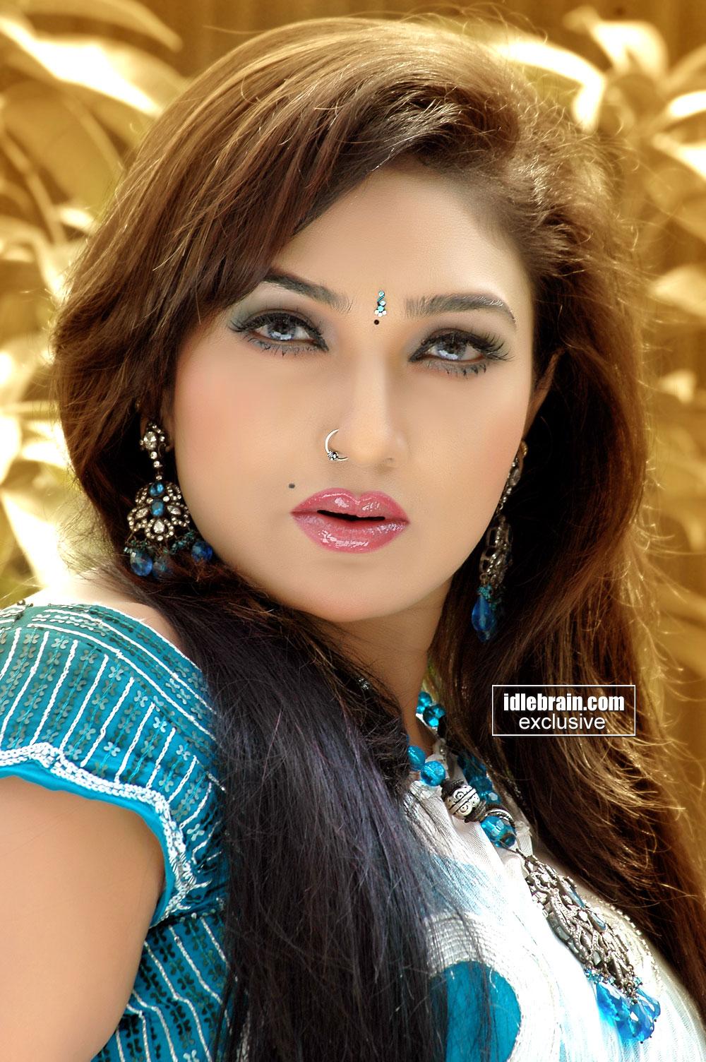 Ragalahari Tamil Hot Actress Masala Desi Actress Remya -5685