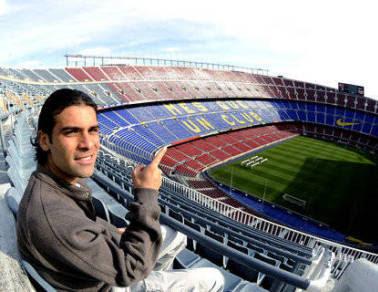 https://i1.wp.com/3.bp.blogspot.com/_B1JtfOpd85I/STpsDsd0CzI/AAAAAAAAGjk/6d_YdOzBraE/s400/rafa+rafale+marquez+barcelona+mexico+camp+nou.jpg