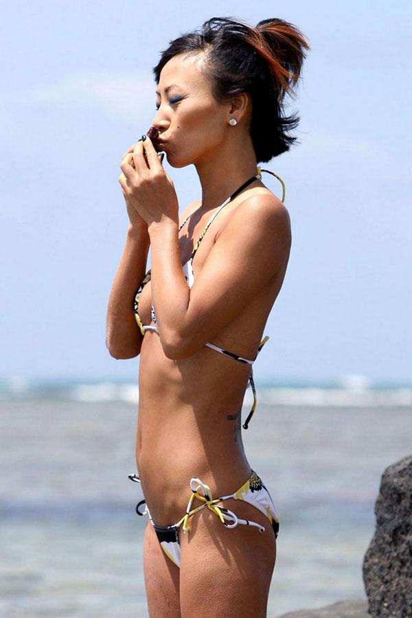 Lisa Ling Bikini 84