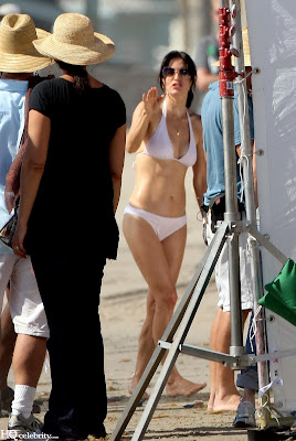Courteney Cox Bikini photos