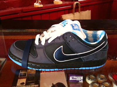 innovative design eca3d c626c Nike SB Blue Lobster Dunk Low June 2009 In-Store Now