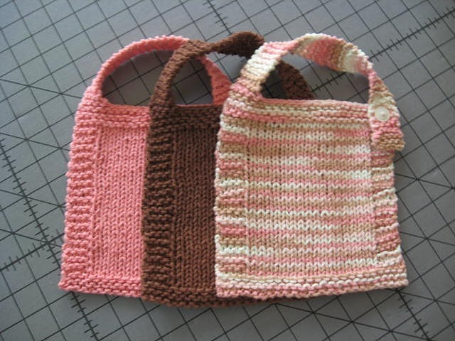 Itchy McStitchy: Easy Peasy Baby Bib Pattern