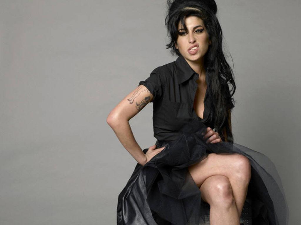 Amy Winehouse Leaked Photos itsnotyouitsme blog: the winehouse returns!
