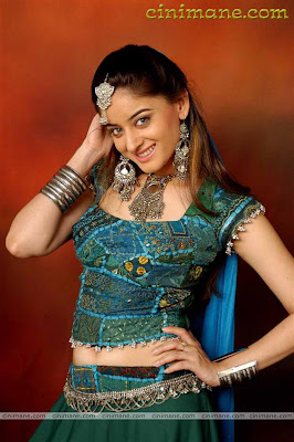 Navel revealing pics of TV actresses