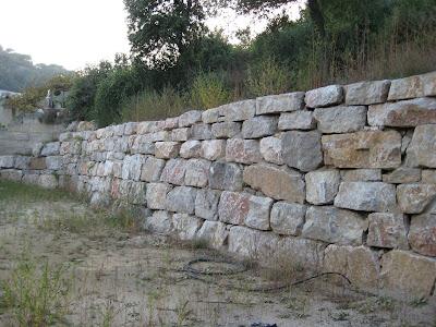 B y r excavaciones s l muros de piedra natural - Muro de piedra natural ...