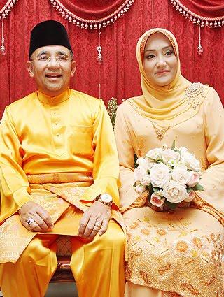 Image result for Gambar isa samad dan isteri