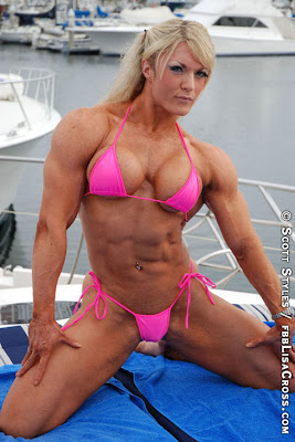 Best female bodybuilders pose with bodybuilding tips - Lisa cross fbb ...