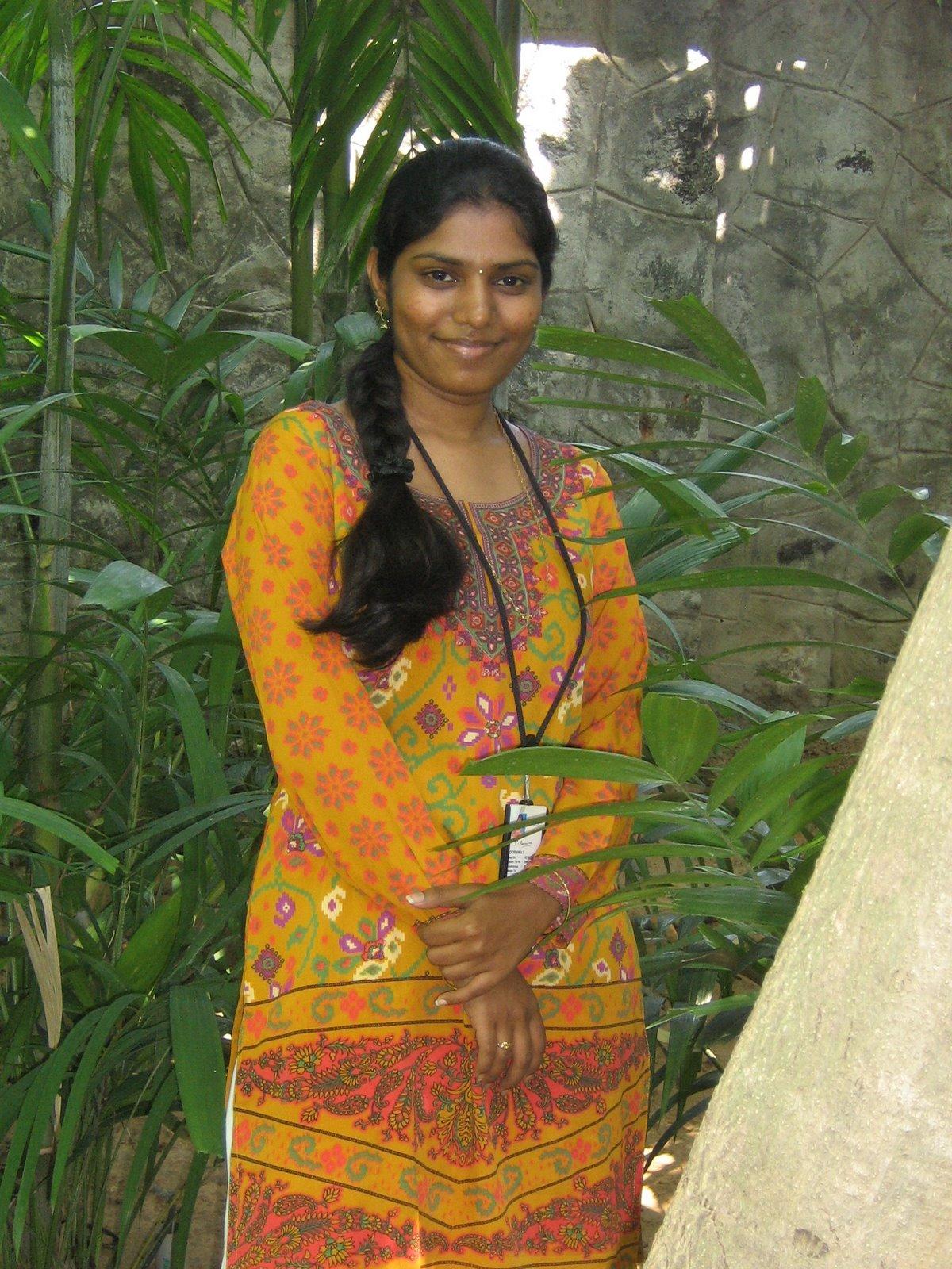 Tamil Nadu House Glamours  Beauty Tamil Nadu Aunties, Girls-7060