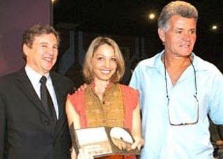 Liou Emotions Jaime Bayly Y Sus Amores El periodista y conductor de televisión celebró en un set de televisión sus 54 años de edad. liou emotions jaime bayly y sus amores