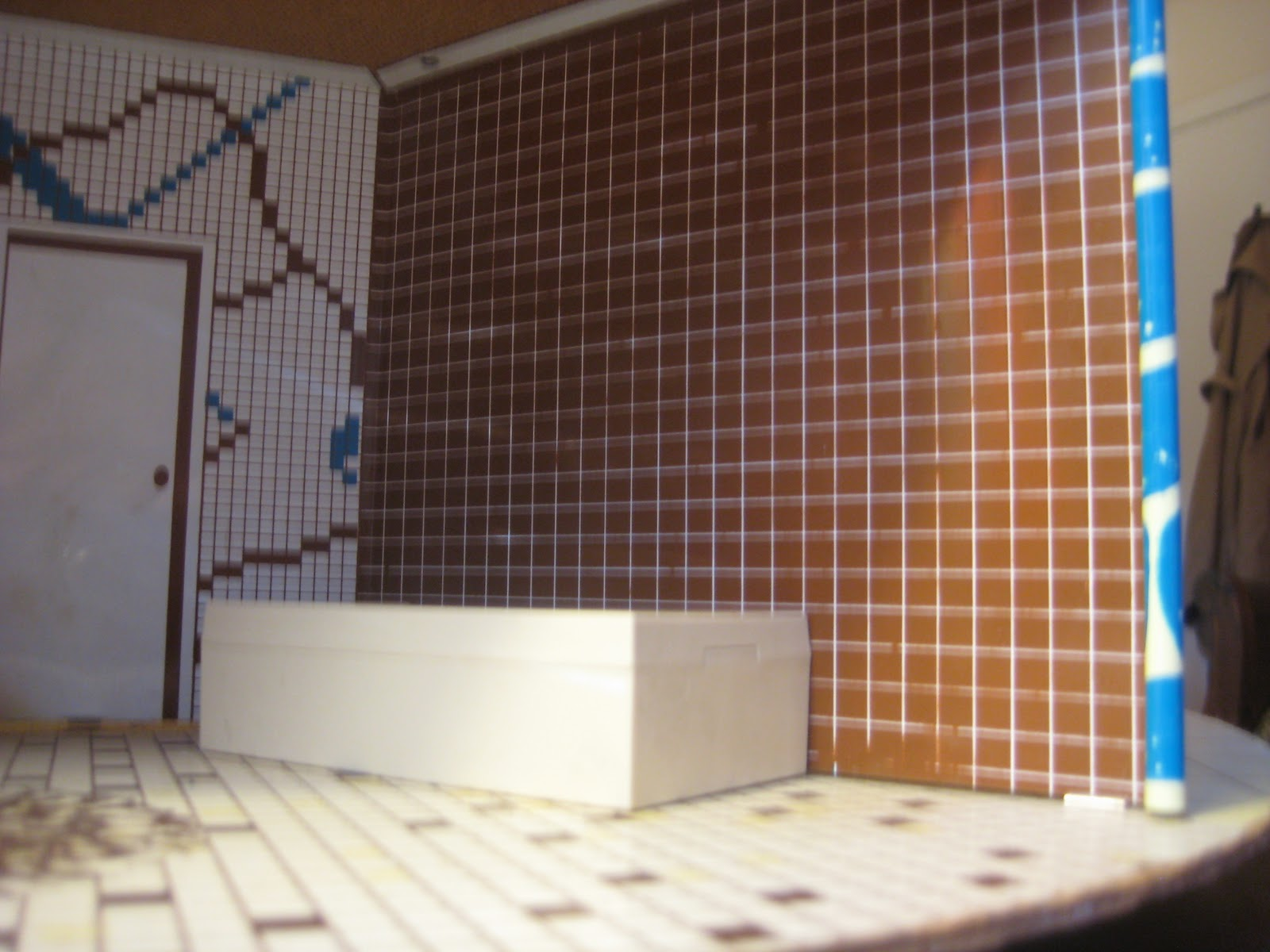 MyRealitty: Mid century bathroom tile