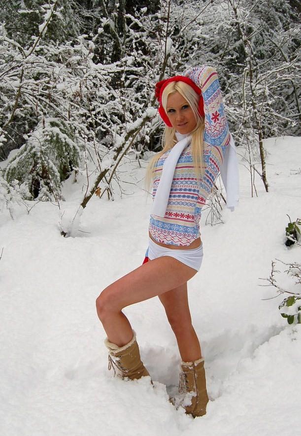 HOT SNOW GIRLS  celebrity