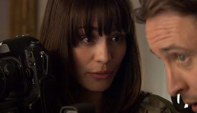 Moonlight Tv Show Photos Mick Coraline S Stake Out Kiss Fleur De Lis 1x09