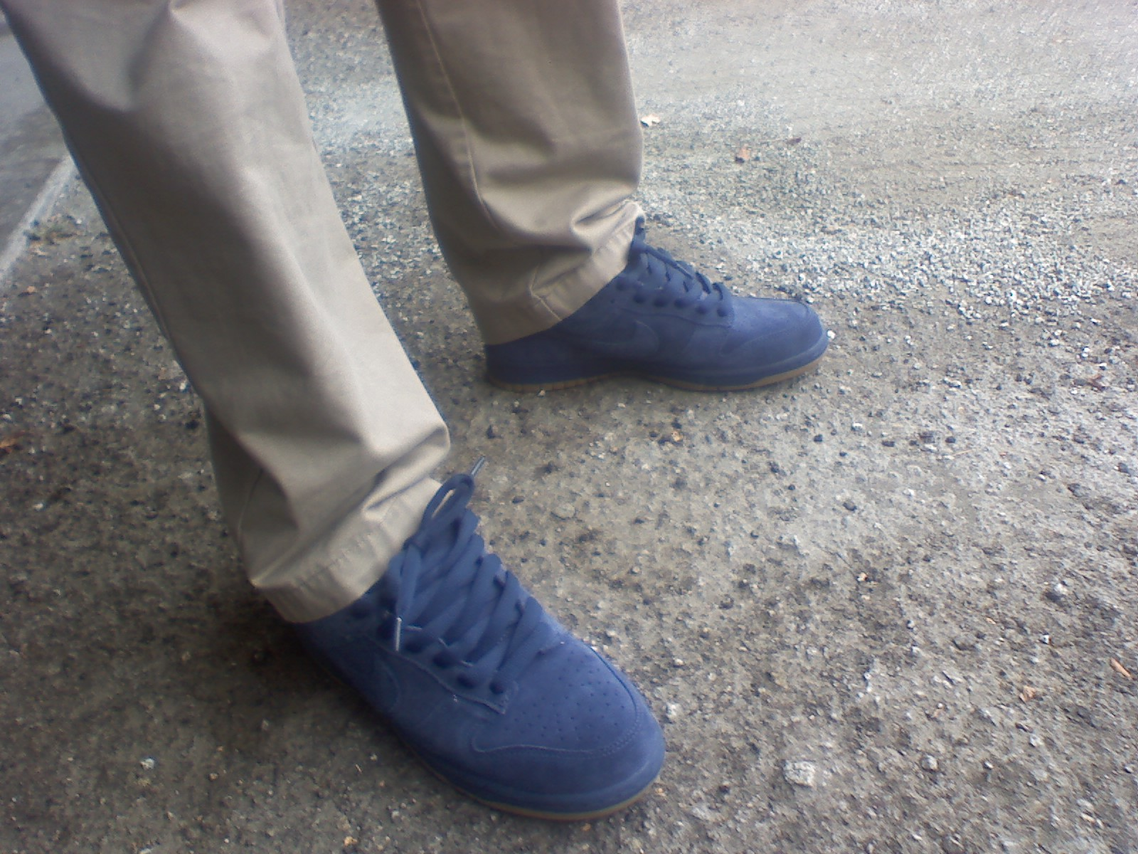 best service f0a0f c37d6 They sport a blue midsole with blue stitching and a gum outsole. These came  with flat, somewhat fat blue laces. FEATURES I threw some navy sb ...