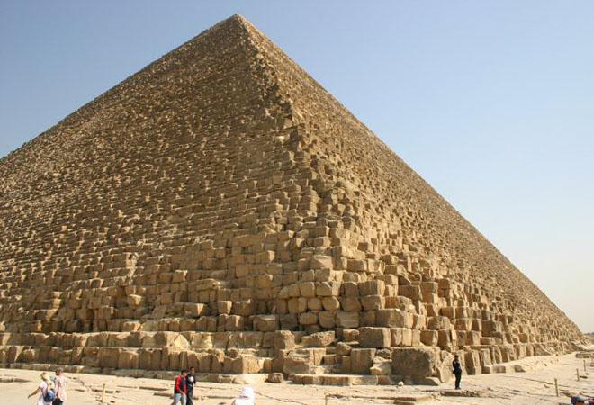 http://3.bp.blogspot.com/_C01IeABTDUU/TCmjkTLSiWI/AAAAAAAAAK4/V5bf092-K5M/s1600/wielka_piramida_cheopsa01.jpg