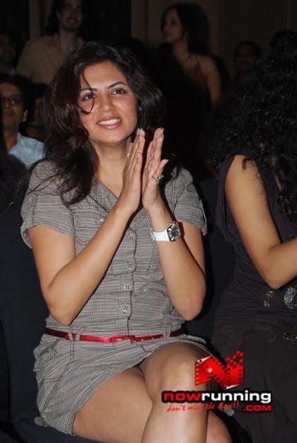 Bollywood Actress Hot Oops Moment - Bikini Bra Hot Sexy -8640