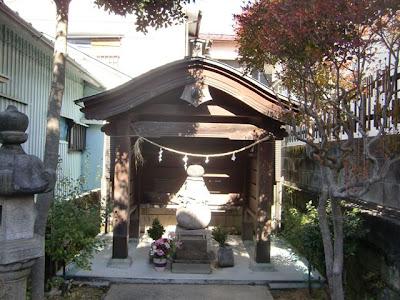 御所五郎丸の墓