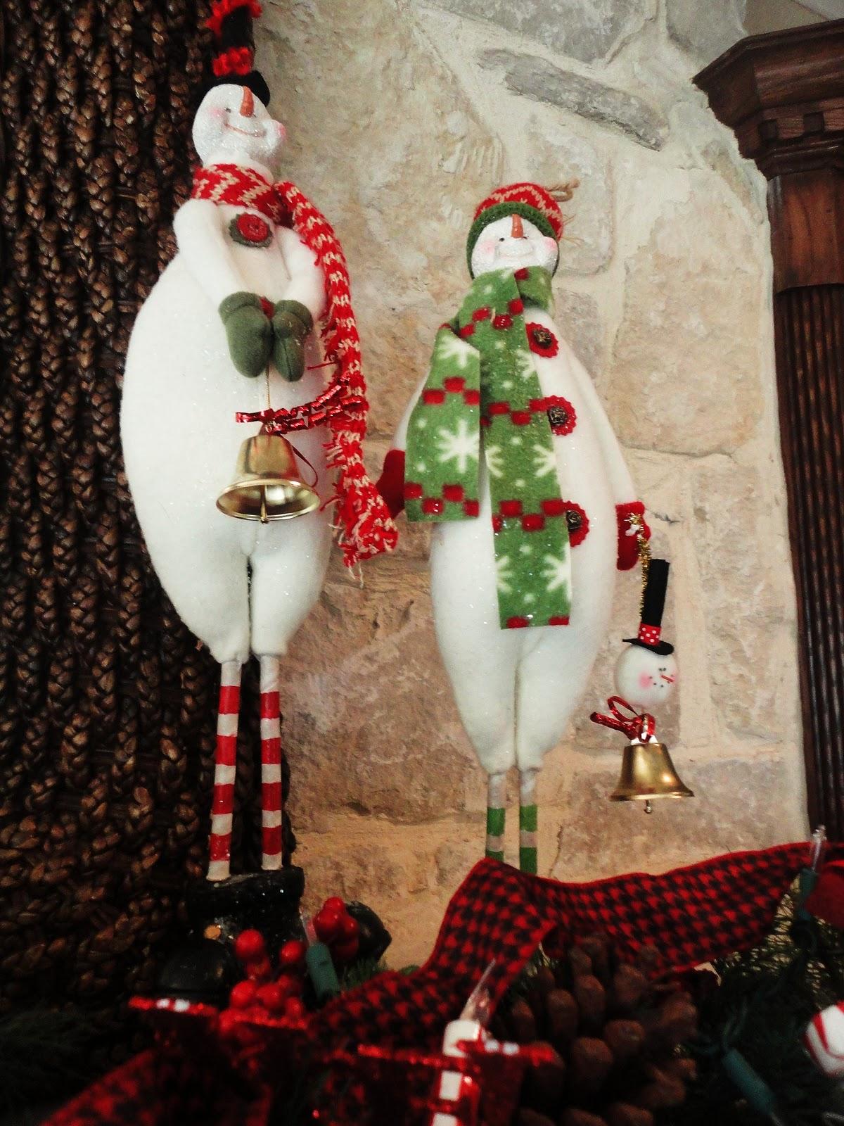 Guest project christmas decor burlap paper mache letters for Paper mache christmas