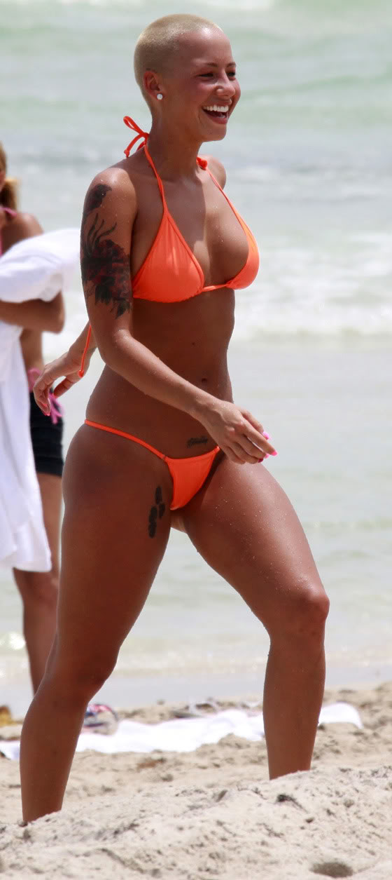 Amber Rose Topless 102