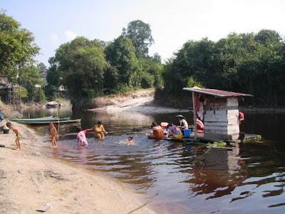 Hasil carian imej untuk perahu dayak di sungai