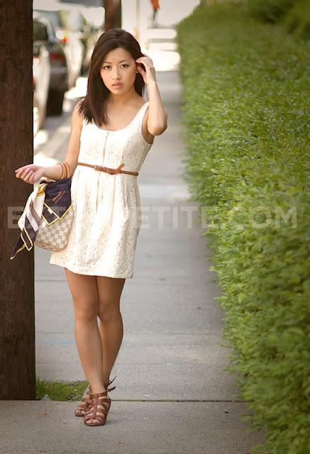 Jóvenes chicas chinas desnudas