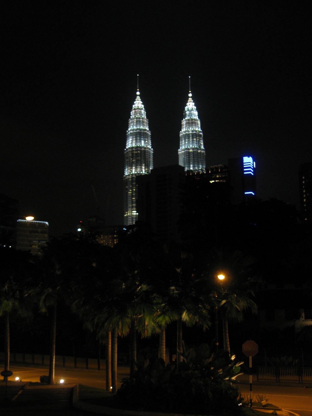 2560x1024 singapore night petronas - photo #47
