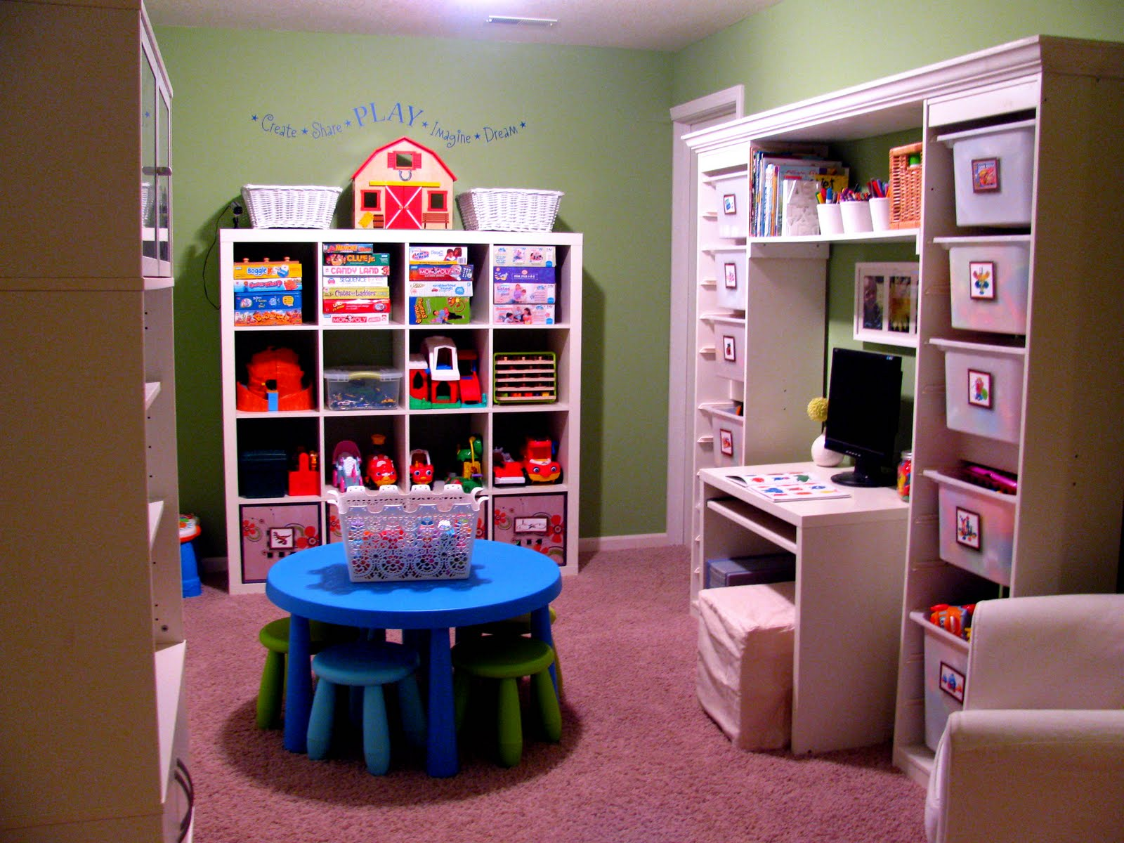 Playroom: IHeart Organizing: Reader Space: Toy-Tastic