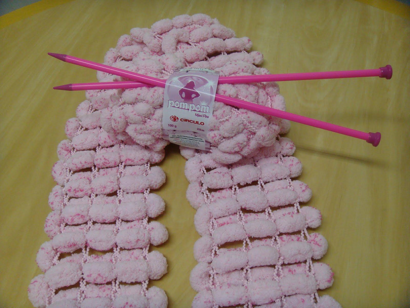Não podia ficar fora desta moda rs....eu também fiz cachecol com lã Pom Pom.  Uma delícia fazer este trabalho é muiiito rápido. d0036ebc383