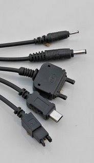 Tecnolog\u00eda habitual: Cargador y conector universal en el 2012