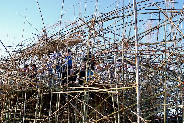 Nyc Nyc Doug And Mike Starn S Monumental Bamboo
