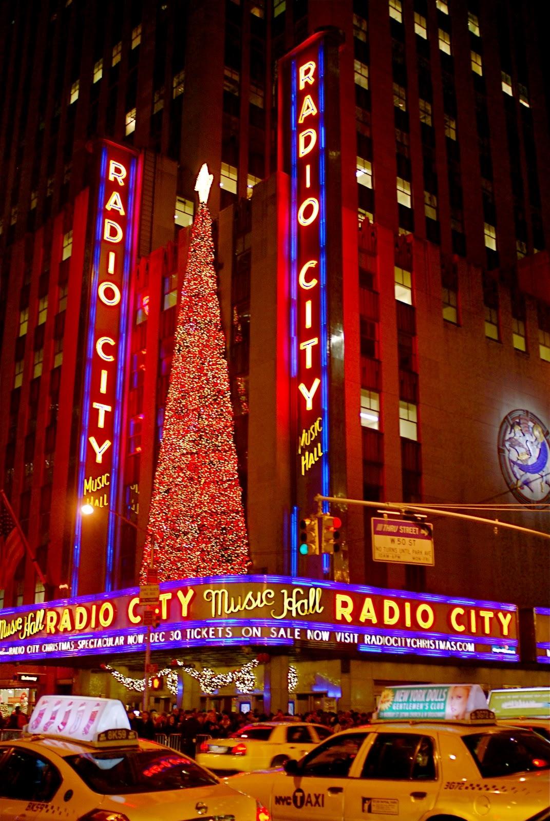 NYC ♥ NYC: Christmas Holiday Decorations on Sixth Avenue