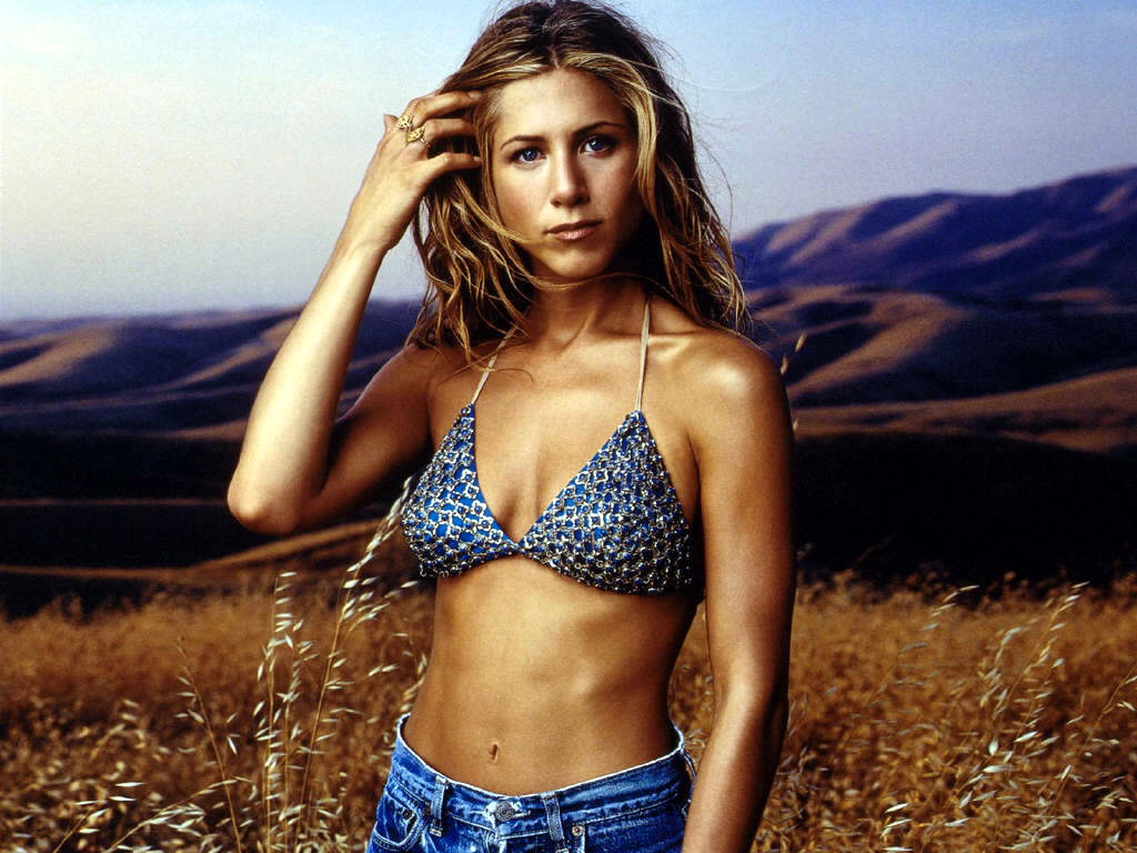 jennifer aniston hot