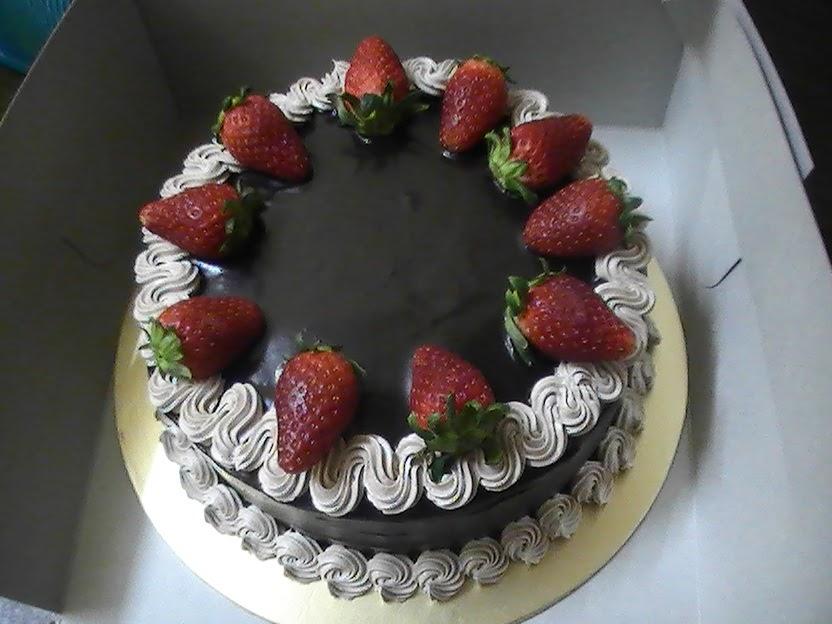 Kiez Homemade Cake Kek Coklat Strawberry