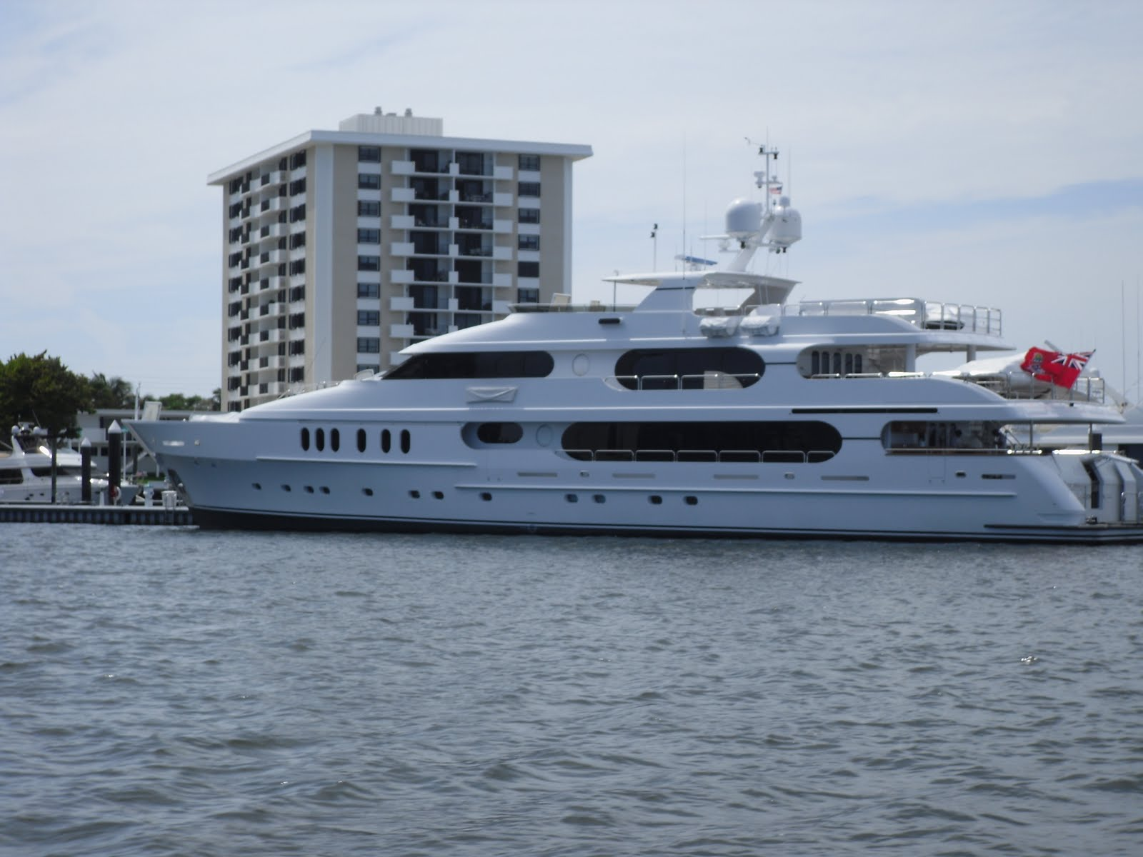 jupiter real estate and lifestyle  tiger woods u0026 39  yacht  new