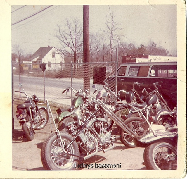 Dudleys Basement: Old Shop Pic From The 70s