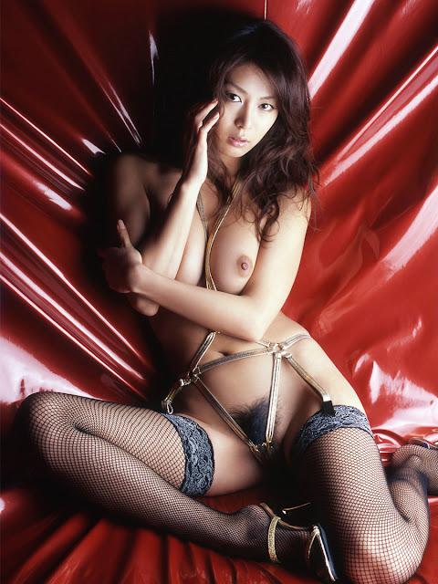 maki nude Honoka japanese idol