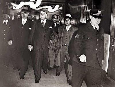 Alphonse Gabriel Capone ,alias Scarface -Caracortada