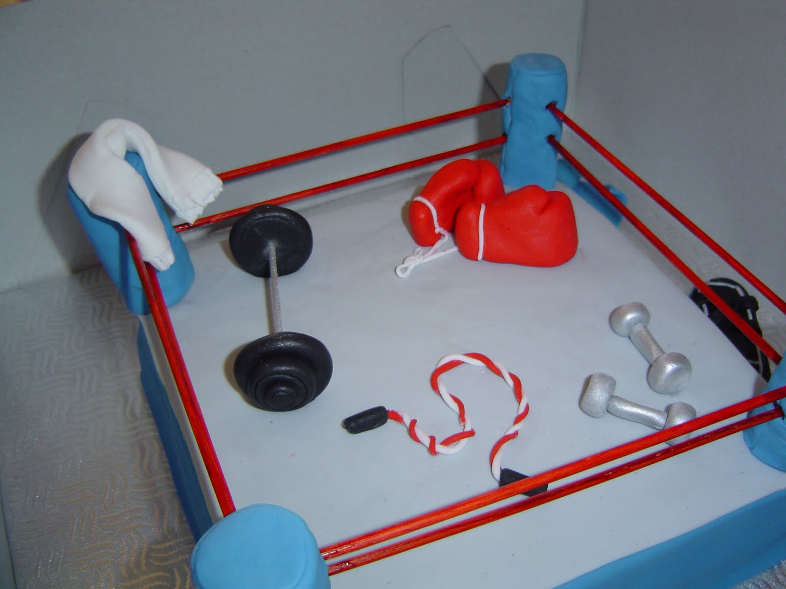 Making A Ring For A Boxing Ring Cake