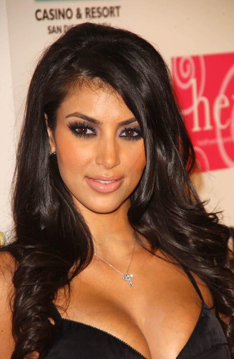 Hollywoodish Kim Kardashian