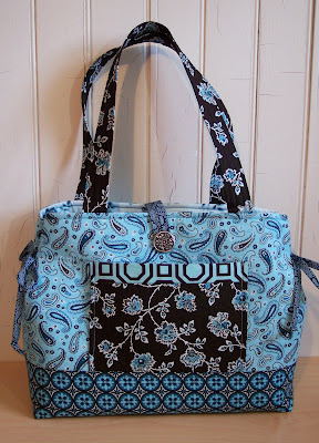 Tarilyn S Show N Tell Bow Tucks Tote
