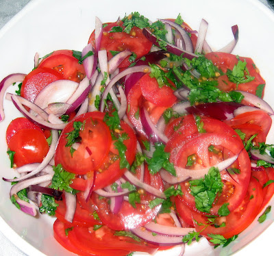 Chachi's Kitchen: Tomato, red onion and coriander salad