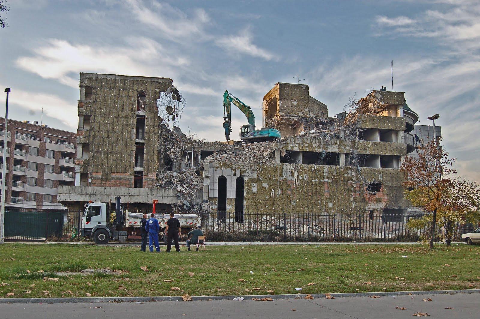 Опубликованы снимки последствий ракетного удара по химобъектам в Сирии. ФОТО