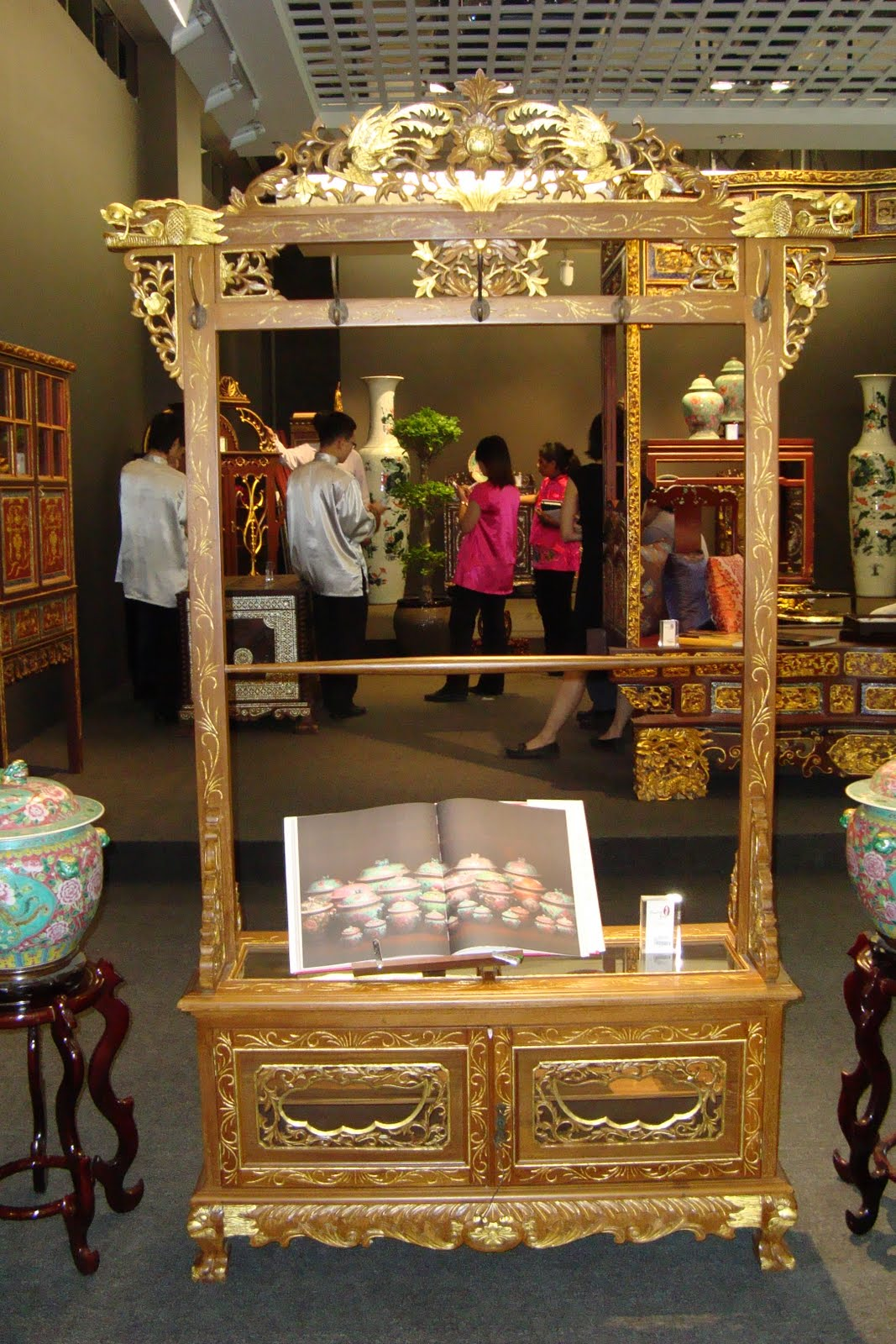 Oriental Arts: Peranakan Furnitures