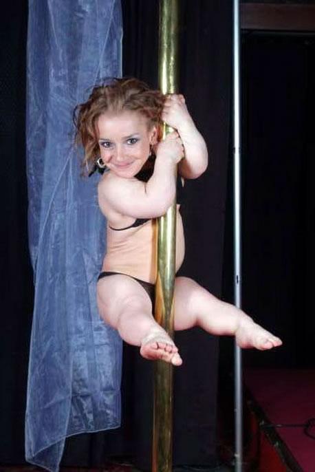 Who was the shortest midget helpful