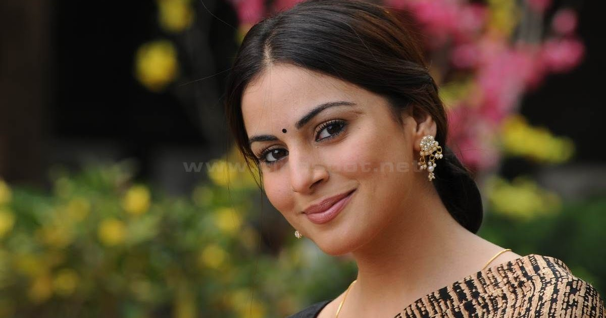 Shraddha Arya Actress Shraddha Arya Telugu Hot Spicy