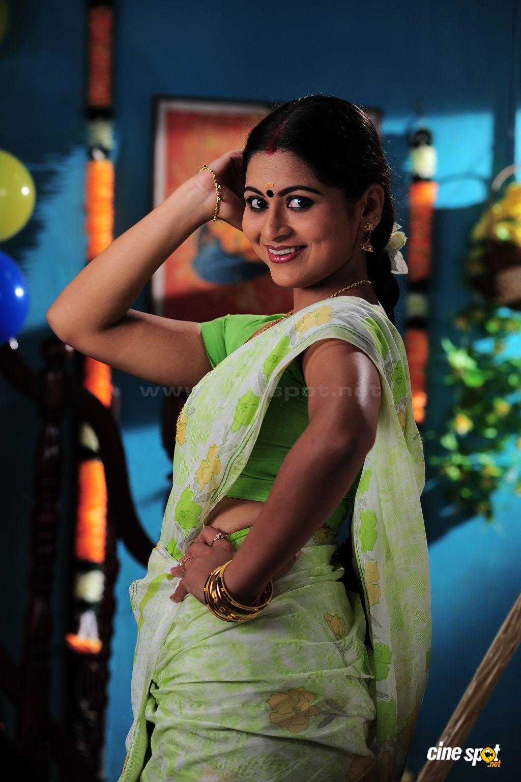 Pics Web Sruthi Lakshmi Malyalam Actress Photos- Shruthi -9725