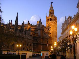 Imagini Andaluzia: Catedrala Sevilla noaptea