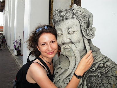 Obiective turistice Thailanda: statuie in complexul palatului regal